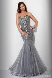 Trendy sukienka w stylu rybka